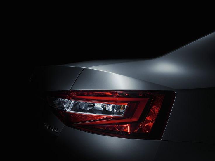 The new ŠKODA Superb's two-part tail lights gleam with LED technology as standard for the first time #skoda #newskodasuperb #superb