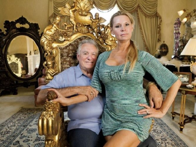 David and Jackie Siegel Net Worth – How Rich are the 'King and Queen of Versailles'?  #davidsiegel #jackiesiegel #networth http://gazettereview.com/2017/10/david-jackie-siegel-net-worth-rich-king-queen-versailles/