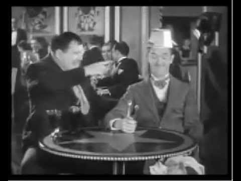 ローレル&ハーディ日本語字幕 BLOTTO(1930) - YouTube