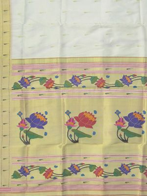 Paithani Saree lotus pallu muniya border design