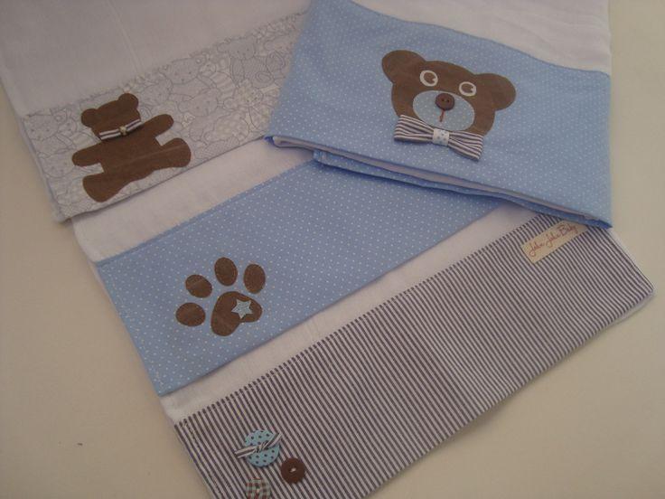 Kit fralda: 1 toalha fralda e 3 fraldas de boca.