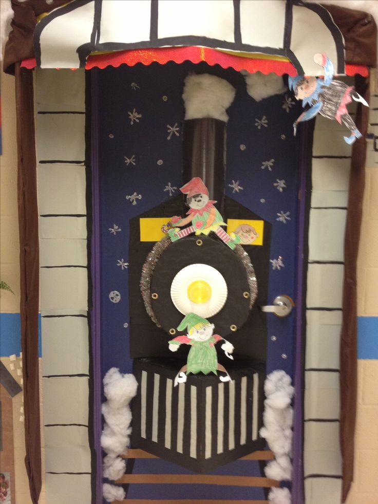 Christmas Door/ kindergarten .... Train