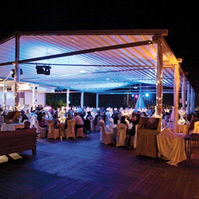 Gala från Palmiye är fristående och speciellt utformad för att rymma ett stort antal gäster. Den eleganta konstruktionen ger en perfekt miljö för dina gäster. Palmiye är en producent som håller högsta kvalité på sina produkter och har många modeller att välja på.