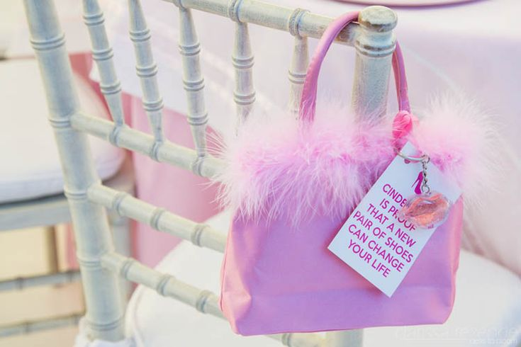Favors for the grown ups in this princess themed birthday party. #birthday #princess #favors #pink #cinderella
