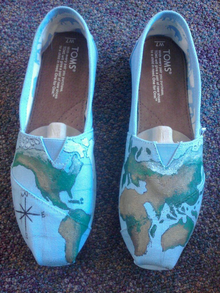 TOMS....for traveling.Hands, Globes, Fashion Design, Cartographic Style, World Maps, Front Doors, Tom Shoes Fashion, Style Clothing, Shoes Style Hautecouture