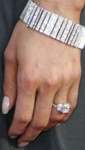 Jamie Pressly · Celebrity Wedding RingsCelebrity WeddingsCelebrity JewelryTia  MowryDiamond RingsJewellery BoxesGlitterDiamond ...