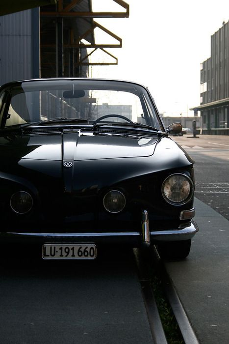 17 best images about volkswagen on pinterest cars buses for Garage volkswagen marennes 17