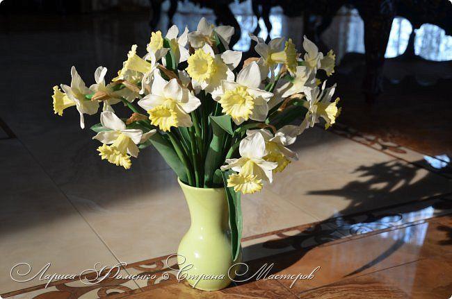 Букет нарциссов из полимерной глины.  Bouquet of daffodils made of polymer clay. Handmade. Larysa Fomenko.