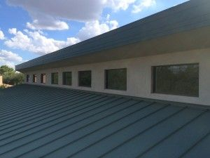 Commercial Window Cleaning Prior To The Holidays - http://arizonawindowwashers.com/commercial-window-cleaning-holidays/
