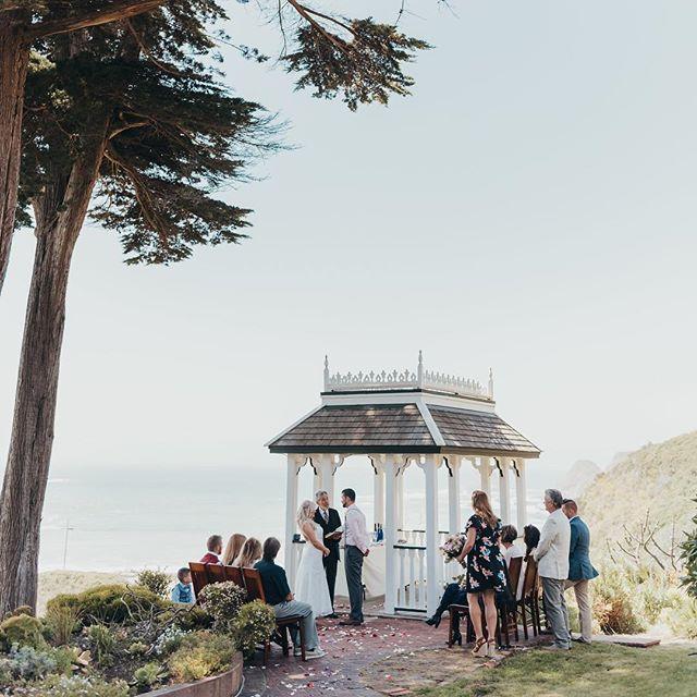 Elk cove inn wedding