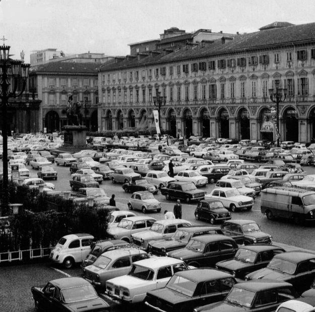 Piazza S Carlo anni '70 - Torino © www.mepiemont.net