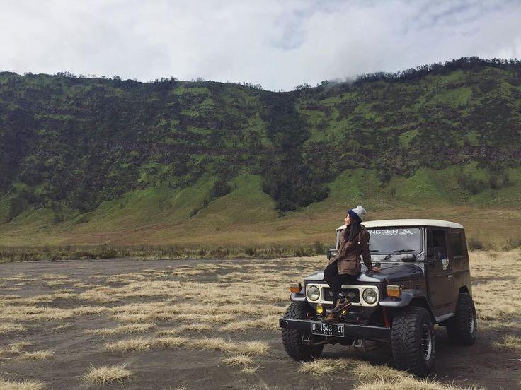 "726 Likes, 3 Comments - dhea amanda ashary (@nenkmanda) on Instagram: ""Lihat foto travelling ini kayanya bahagia banget ya! Padahal, sebelumnya pusing banget mikirin…"""