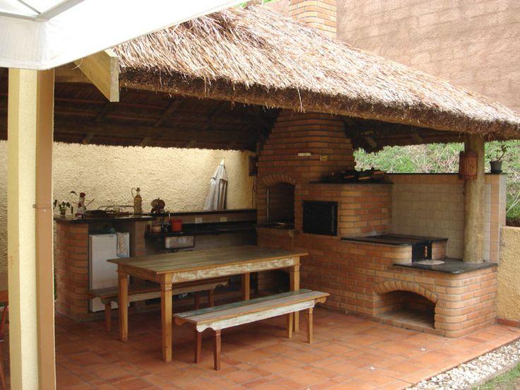 Quiosques e coberturas de palha Sapé - COBRIRE Construções em Madeira