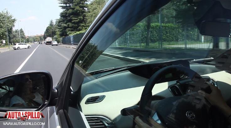 2° Test drive per Lancia Y 5 porte - Nel riflesso dello specchietto potete ammirare la nostra mamma racer: Alessandra Rossi! Il video: http://www.youtube.com/watch?v=0o_mtT8jKFE=plcp Fateci sapere cosa ne pensate!!