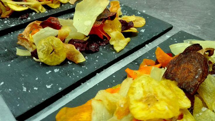 Damos la bienvenida al  #otoño, con un aperitivo especial....Chips de otoño #RestauranteAntonioZgz #restaurante #Pilar #Zaragoza #menús