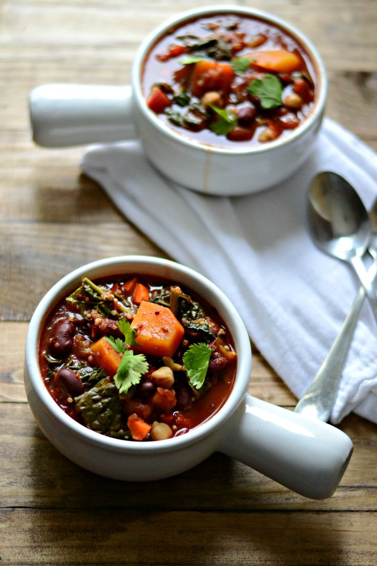 Slow Cooker Butternut Squash, Kale, and Quinoa Chili | Sarcastic Cooking
