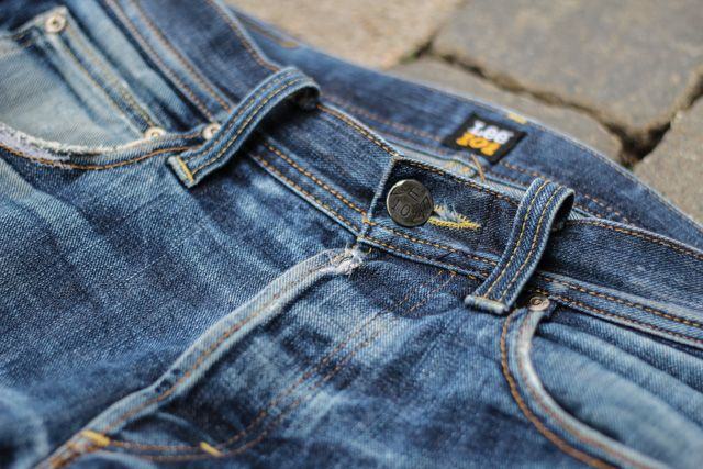 The Most Amazing Raw Jeans After !8 Months Wear http://thejeansblog.com/raw-denim/the-most-amazing-raw-jeans-after-18-months-wear/