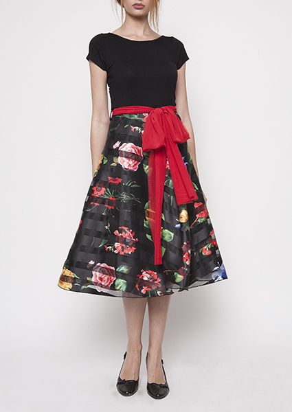 Evening dress with particularly striking floral klos skirt from black orgatza with stripes