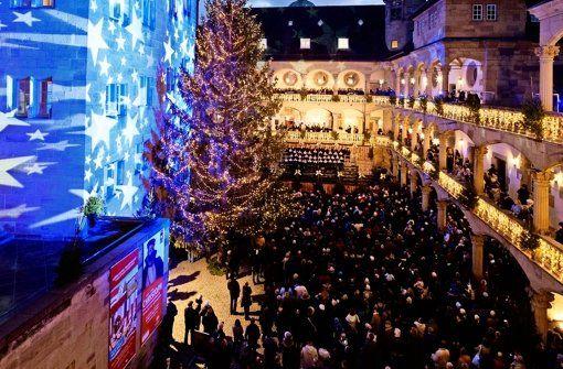 Der Stuttgarter Weihnachtsmarkt wird im Innenhof des Alten Schlosses eröffnet. Foto: Lichtgut/Leif Piechowski