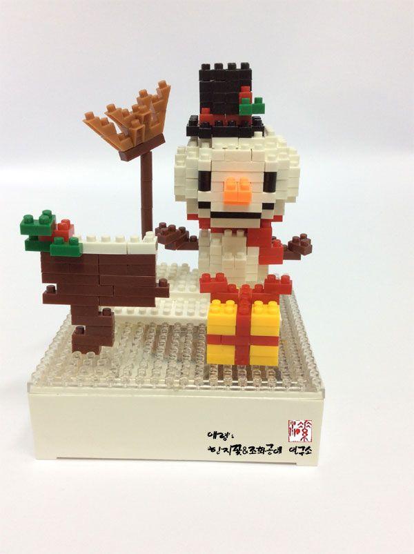 Merry christmas 나노 미니 블럭 눈사람 nanoblock snowman  http://blog.naver.com/koreapaperart             #나노블럭 #미니블럭 #주문제작 #수강문의 #miniblock #nanoblock