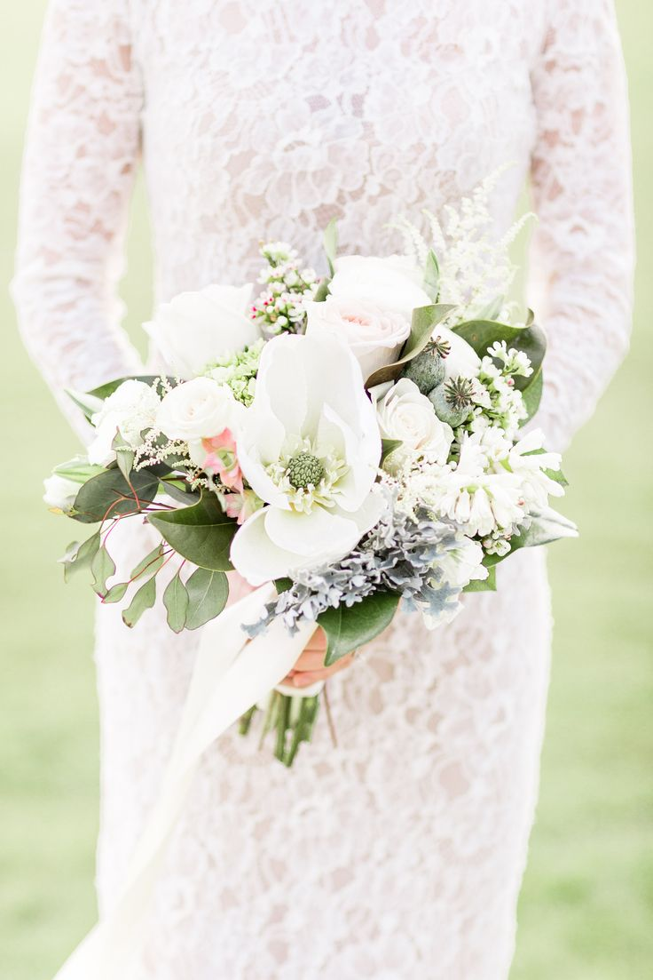 white pink and grey bouquet