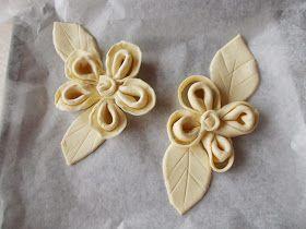 Le recensioni e i consigli di Aglaia®: Barbatrucco di Aglaia per creare fiori di pasta sfoglia