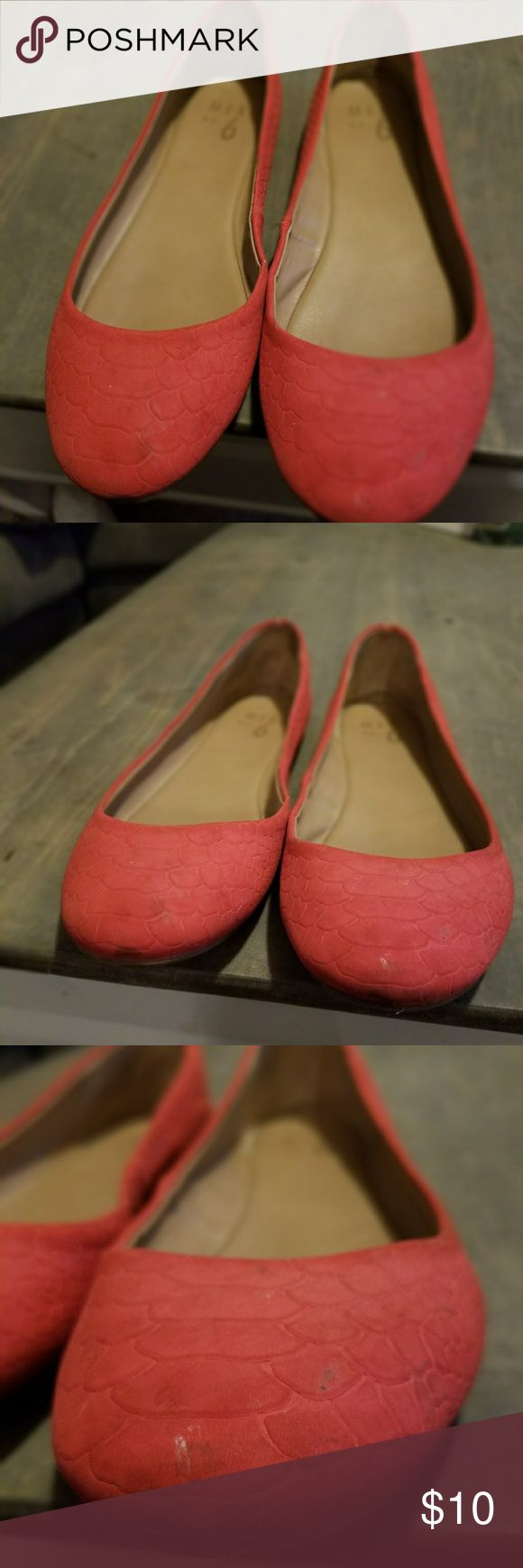 Red/coral flats Only worn a few times. Mix No. 6 Shoes Flats & Loafers