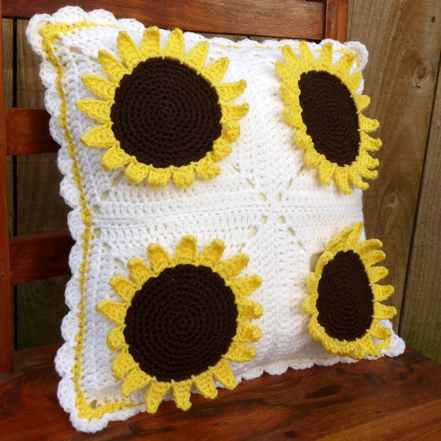 Sunflower Cushion Knitting Pattern : 17 Best images about Crochet Sunflowers on Pinterest Ravelry, Patterns and ...