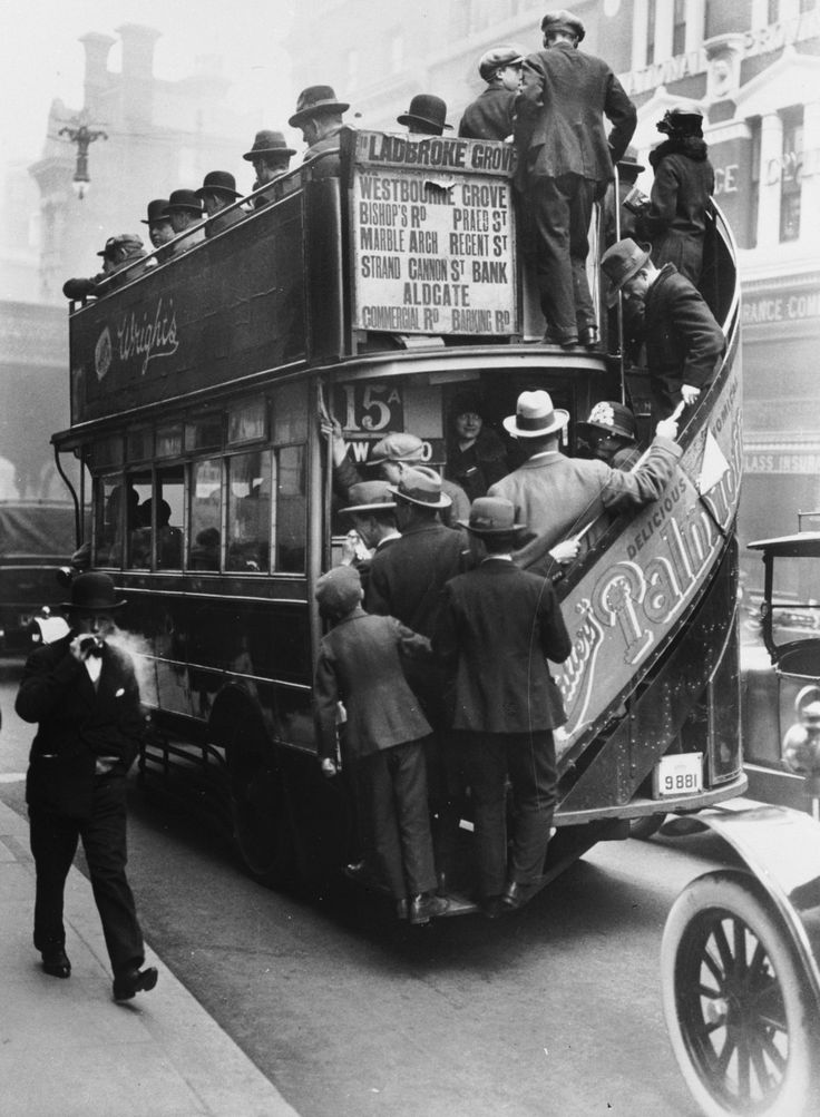 London, 1928 | double decker | 1920's | crowded bus | peak hour | public transport | vintage street scene | history | black & white photography | open air | #history #westhistory