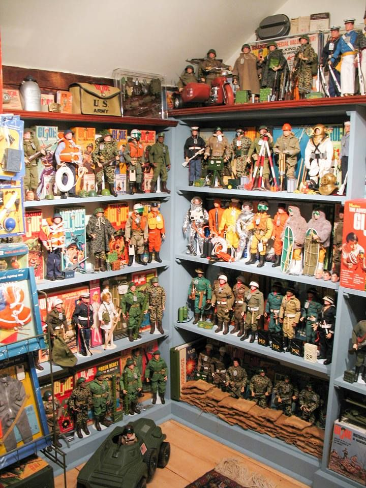 Large Vintage GIJoe Military Action-Figure Dolls and Accessories Collection