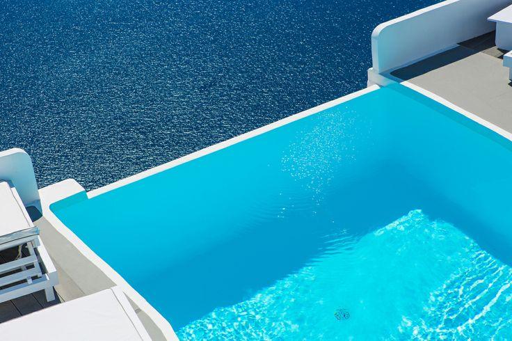 CHROMATA Hotel Santorini | Justin De Souza -