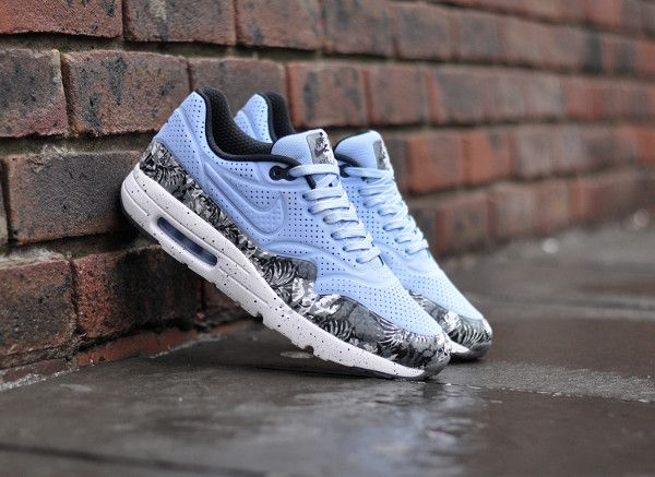 Find this Pin and more on Sneakers by kennyvalentine3.