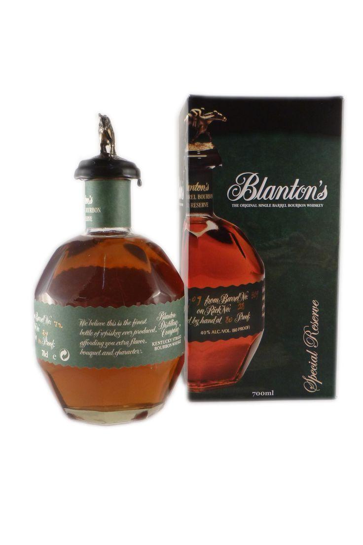 Der Blantons Special Reserve Green Label Whisky stammt aus Kentucky in den USA und wird, wie Kenner vielleicht wissen, nur in einer limitierten Menge produziert. Mindestens 10 Jahre lagert der Whiskey in Fässern aus Steineich, bevor er...