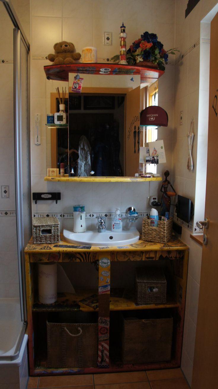 Waschbecken und Spiegelschrank Gäste WC