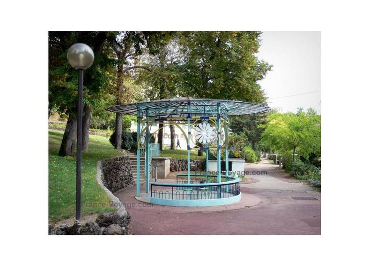 Châtel-Guyon ma station thermale par excellence où j'expose et dédicace mon livre dans le magnifique parc thermal.