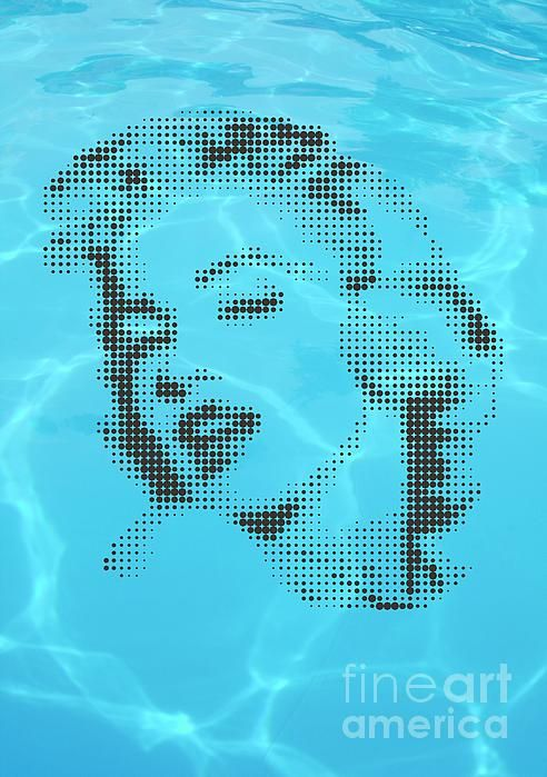 Marilyn on blue water