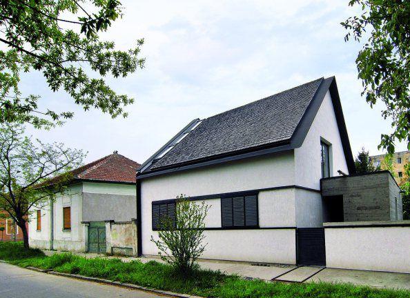 http://arhipura.com/2011/10/17/casa-moza-timisoara/
