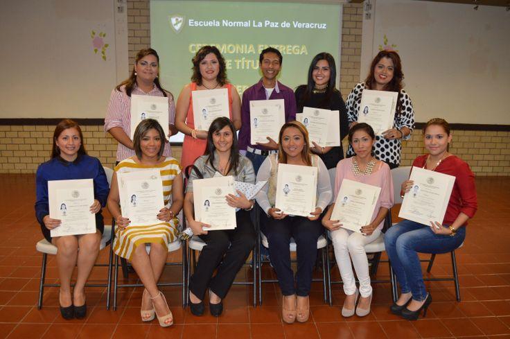 Alumnos de la Licenciatura en Educación  Primaria generación 2009 - 2013 en su entrega de títulos