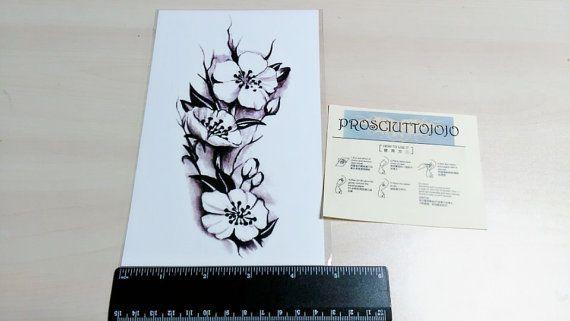Tätowierung Pflanze großen Blüten blühen Körper von prosciuttojojo