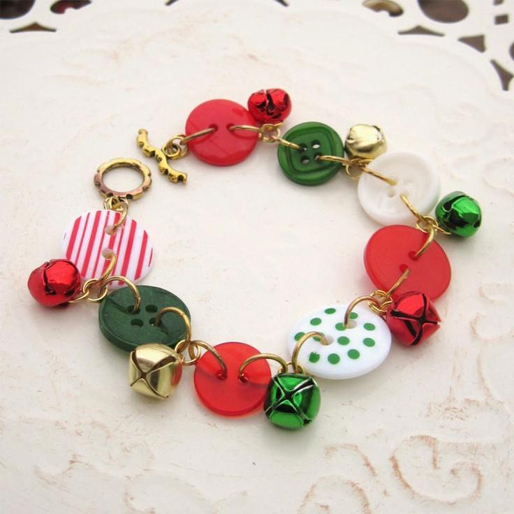 .Christmas button bracelet.
