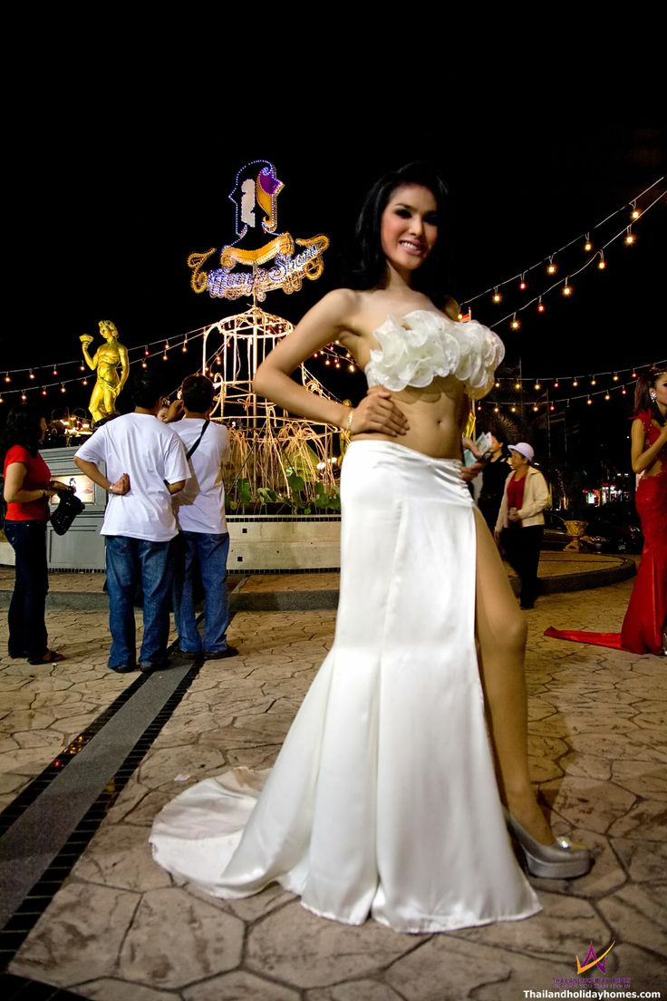 Pattaya Alcazar Cabaret Show -  Ladyboy Show in Pattaya.