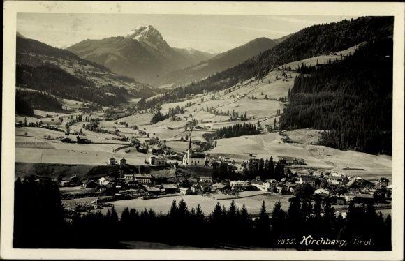 Ansichtskarte / Postkarte Kirchberg in Tirol, Panorama der Ortschaft, Alpen