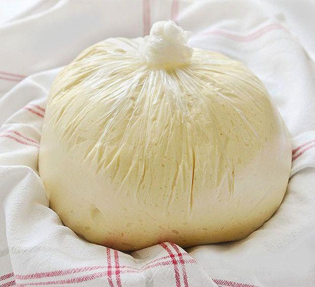 Aki próbálta már ezt a tésztát, mindig tart belőle a hűtőben, annyi mindenre fel tudja használni.