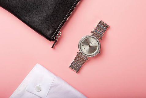 Čistými líniami a minimalistickým vzhľadom nemáte jednoducho čo pokaziť. #lumir #lumirwatch #watches #hodinky #hodinkylumir #lumirhodinky #women #watches #fashion #silver #pink