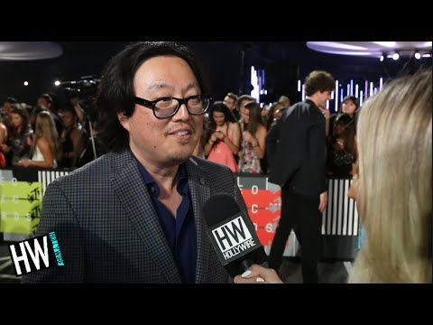 'Bad Blood' Director Joseph Kahn Talks Working With Taylor Swift! (VMA 2...
