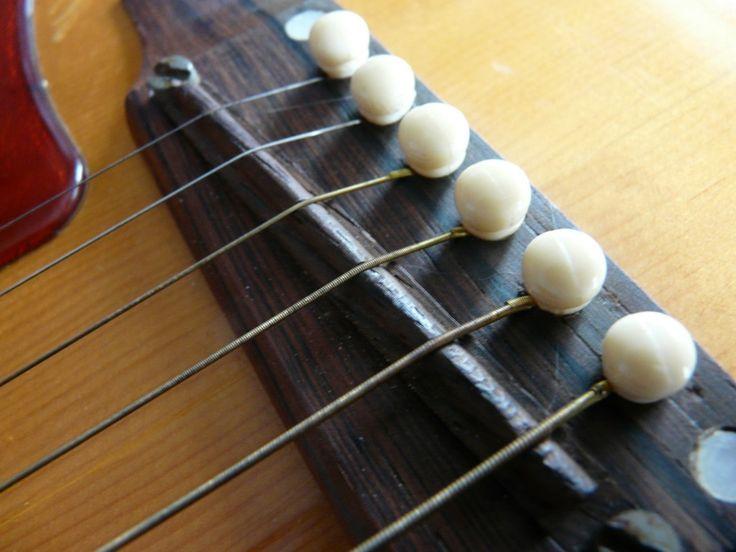 Il ponte della chitarra acustica: funzione e manutenzione