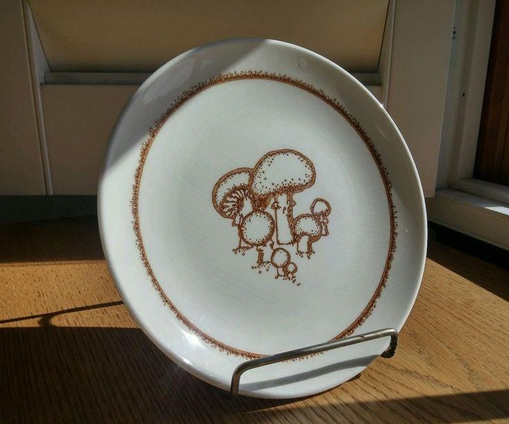 Vintage Merrie Mushroom Anchor Hocking Bread Plate