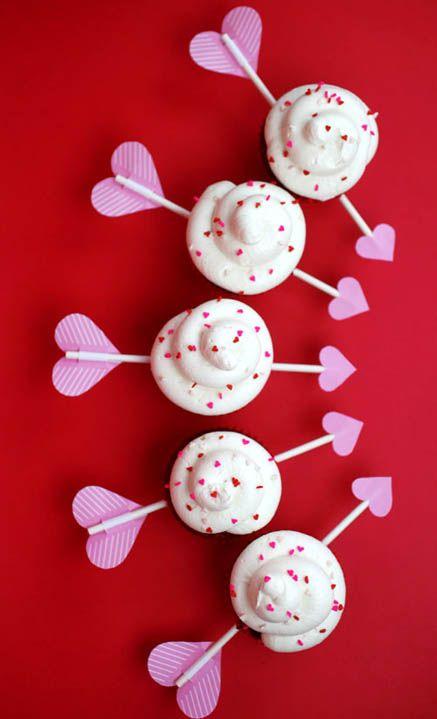Cupid's Arrow Valentine's Day Cupcakes