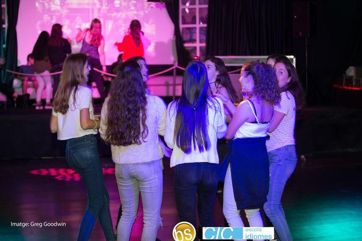 Foto de la de la #FiestaBS17  (Fiesta reencuentro )    #SummerCamp #Colonias  #Colonies #Campamento #Camp #Niños #Jóvenes #adolescentes  #summer #young #teenagers #boys #girls #Summercamps #city #english #inglés #idioma #awesome #Verano #friends #group #anglès #cursos #viaje #travel #WeLoveBS #FiestaBS