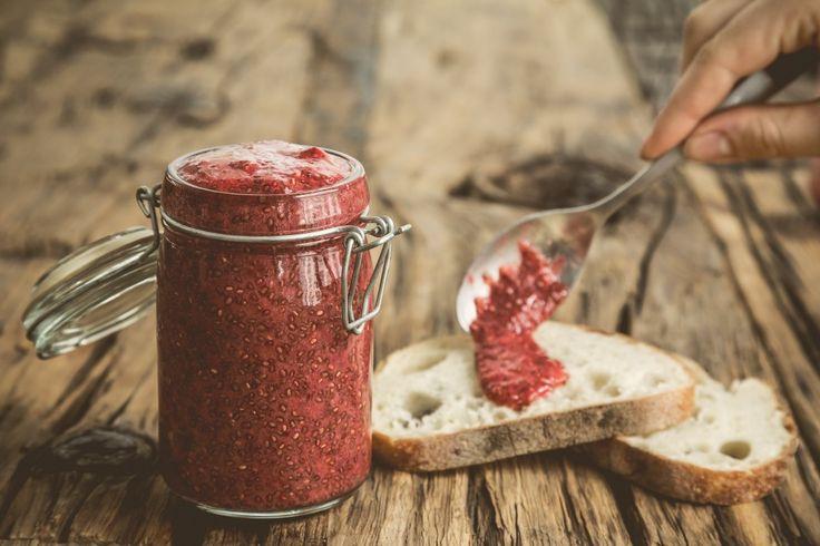 Recette de confiture aux fraises et graines de chia: ingrédients simples, aucune cuisson